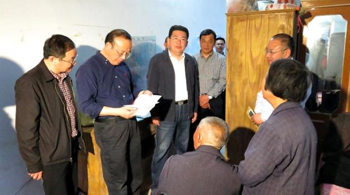 市委书记张祥安在明光市开展住村调研
