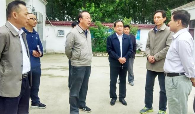 张祥安深入定远县调研指导扶贫工作