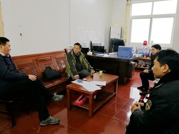 市质监局党组成员、副局长武军到明光市石坝镇苏郢村调研美好乡村建设